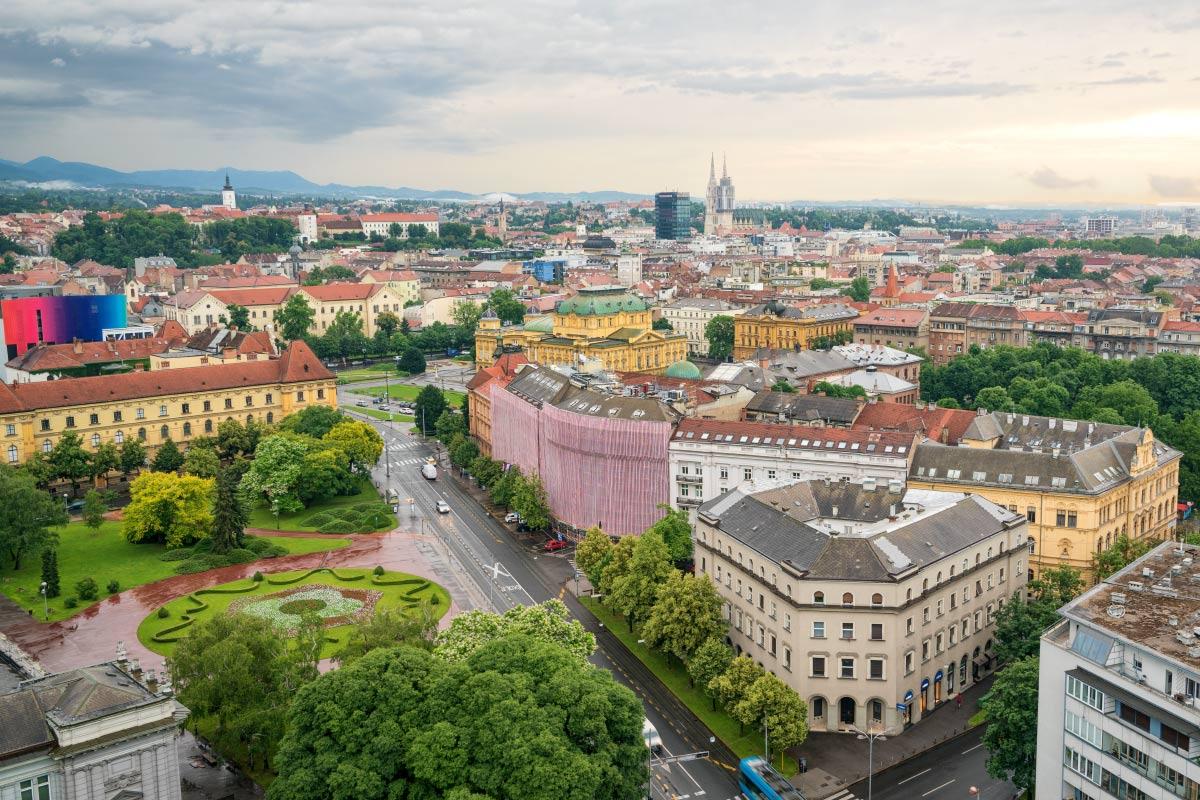 Ausblick vom Westin über die Altstadt mit dem Nationaltheater