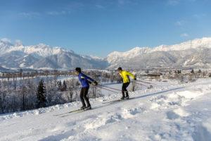Langlauf mit Bergpanorama