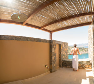 Outdoor-Shower in der Villa